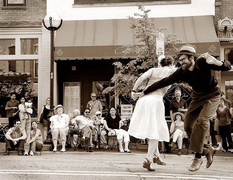 Dancing_In_The_Street_by_Killntyme12.jpg