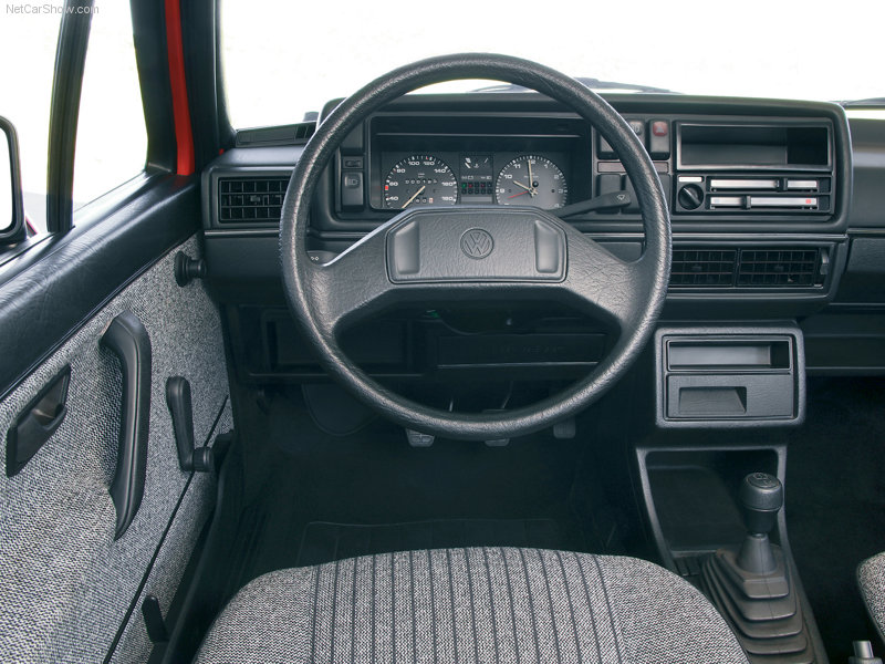 Volkswagen-Golf_II_1983_800x600_wallpaper_07.jpg