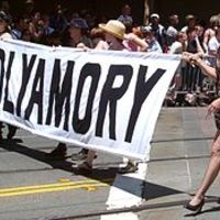 Polyamory: sok ember szereti egymást, dugnak is