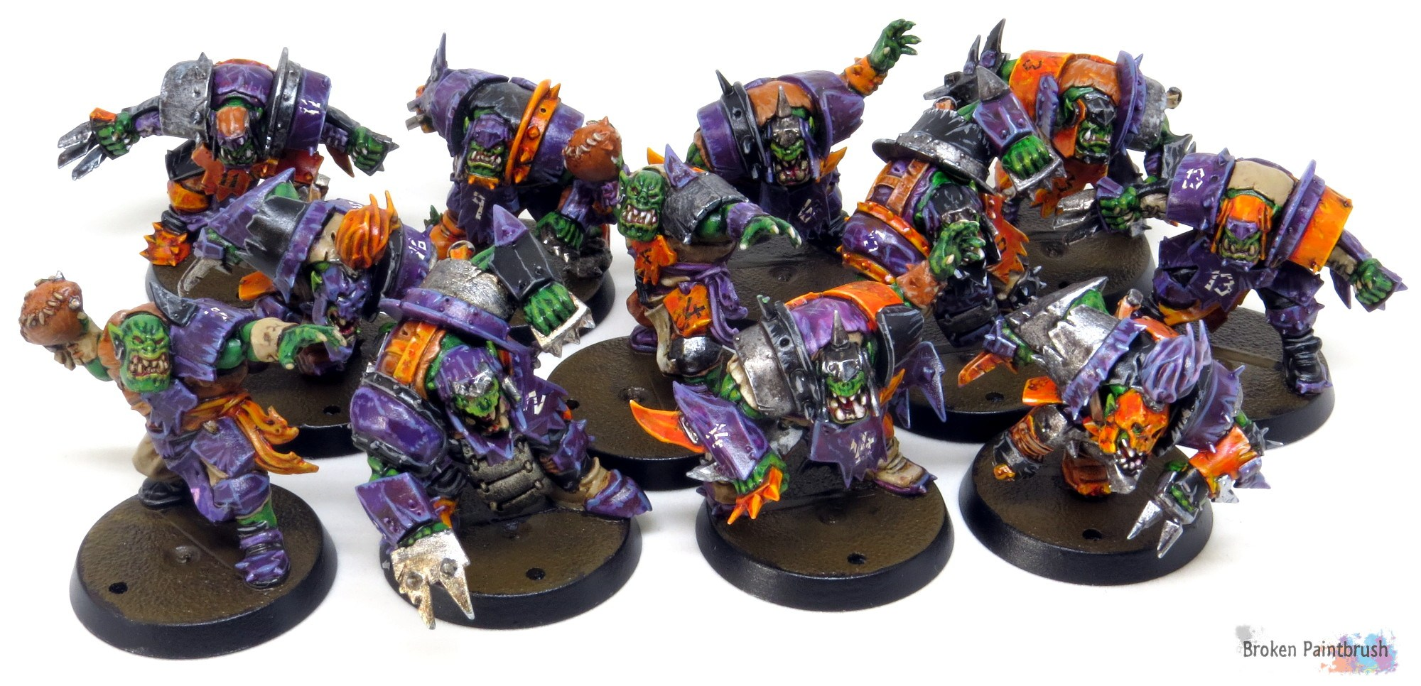 ork-blood-bowl-team-finished-broken-paintbrush.jpg