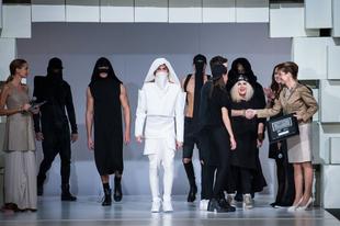 Gombold újra! öltözéktervezői pályázat