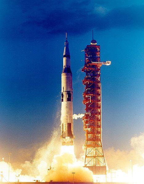 467px-Launch_Apollo4.jpg