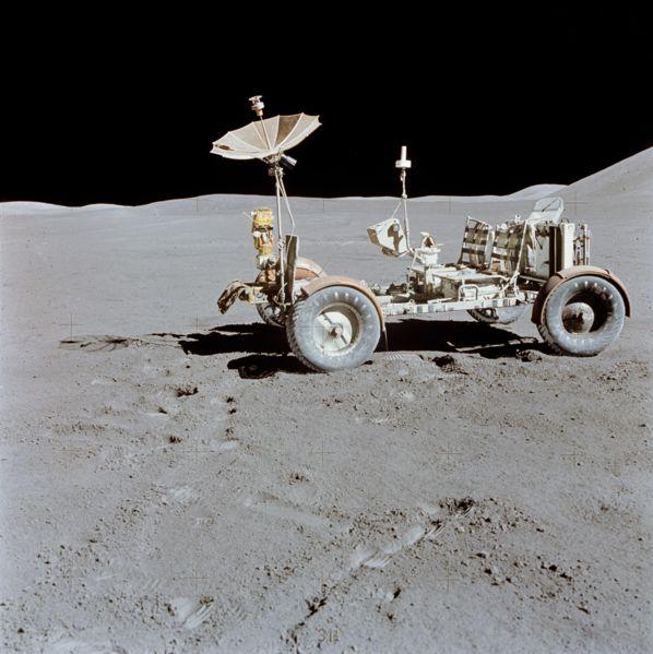 598px-Apollo_15_Lunar_Rover_final_resting_place_1.jpg
