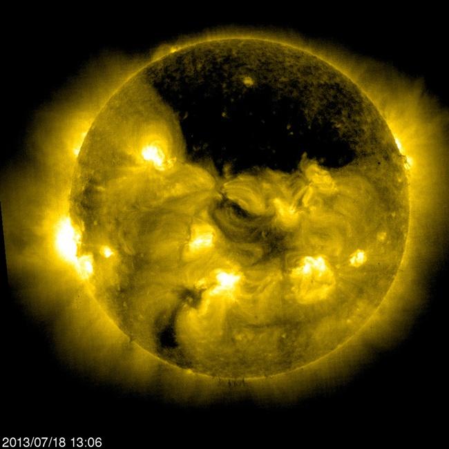 Large-coronal-hole.jpg