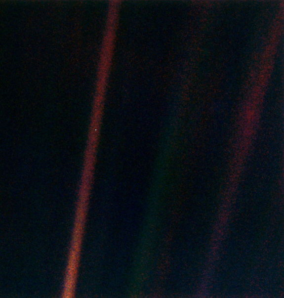 pale-blue-dot-voyager.jpg
