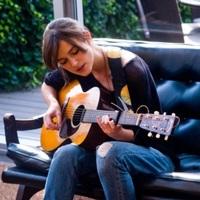 Zenére írt szerelem