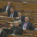 Pofátlansági Guinness-rekordkísérletek a magyar parlamentben
