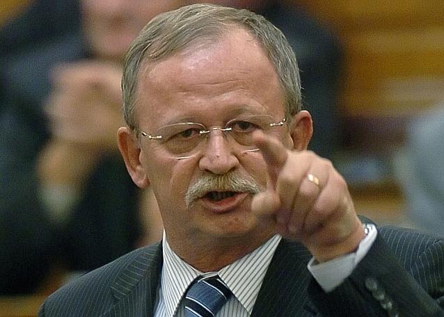 Ki az a liberálbolsevik - Kuncze.png