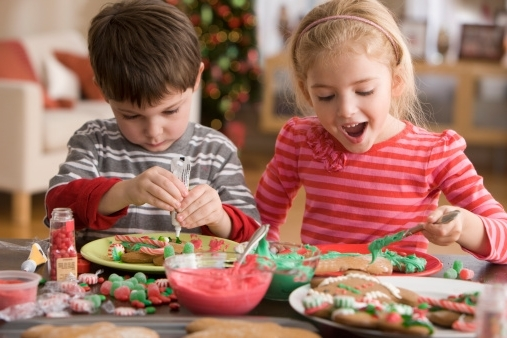 10-christmas-snacks-for-kids-they-can-help-create.jpg