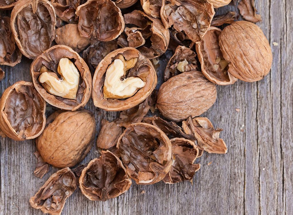 heart-health-walnuts.jpg