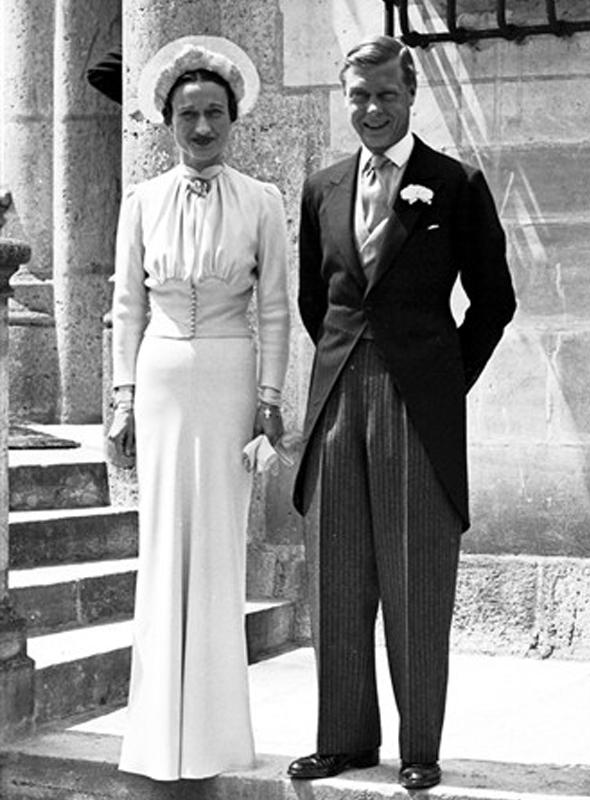 wallis-simpson-wedding-dress.jpg