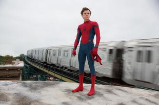 Beszövi magát a mozikba kedvenc szuperhősünk