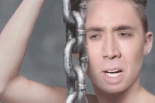Miley Cage. Miért.