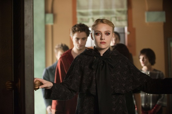 jane-edward-cullen-volturi-dakota-fanning-robert-pattinson-new-moon.JPG