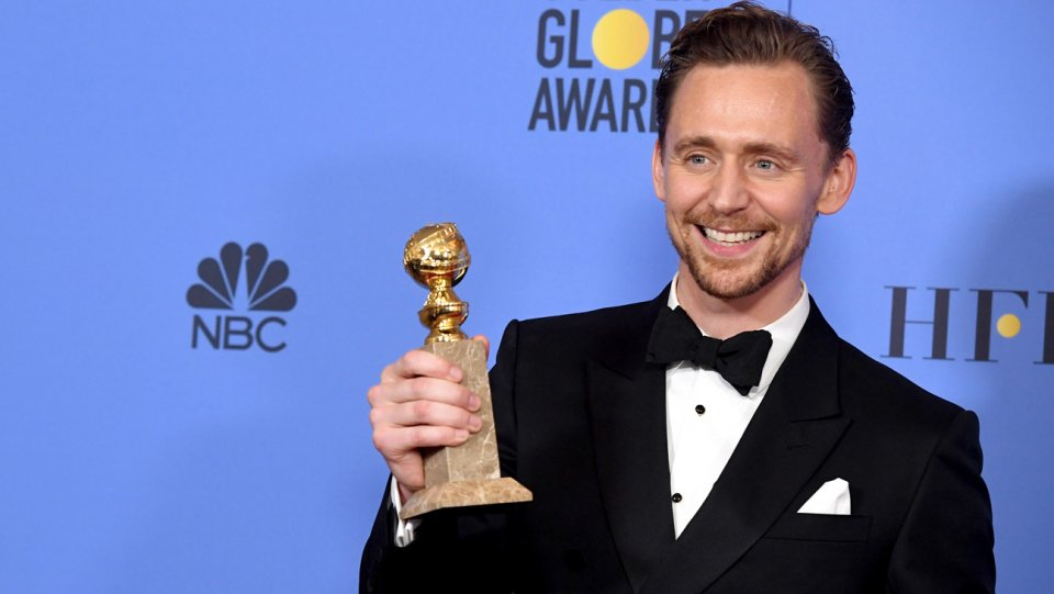 tom_hiddleston_74th_golden_globe_winner_getty_h_2017.jpg