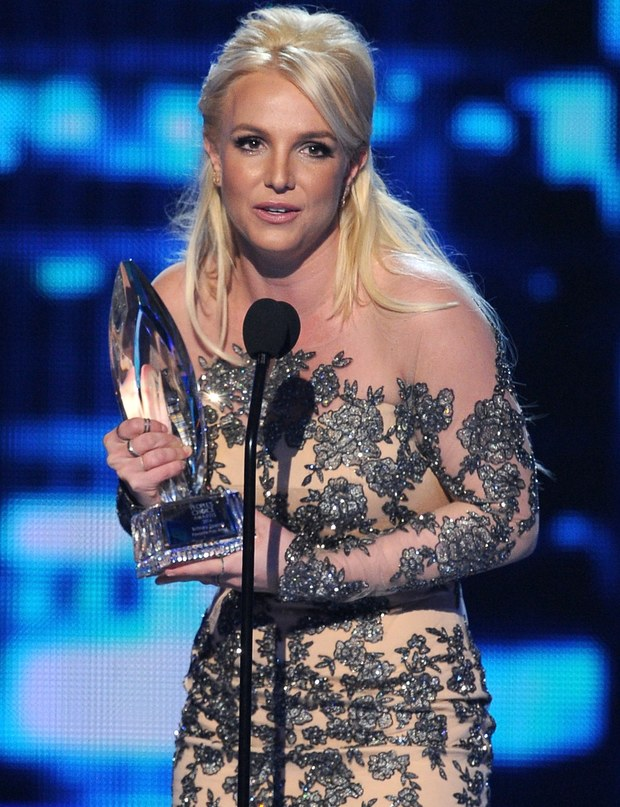 britney-spears-at-peoples-choice-awards-2014.jpg