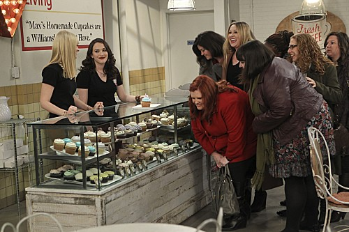 2-broke-girls-season-2-episode-13-and-the-bear-truth-8.jpg