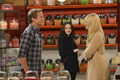 2-broke-girls-season-2-episode-6-and-the-candy-manwich-2.jpg