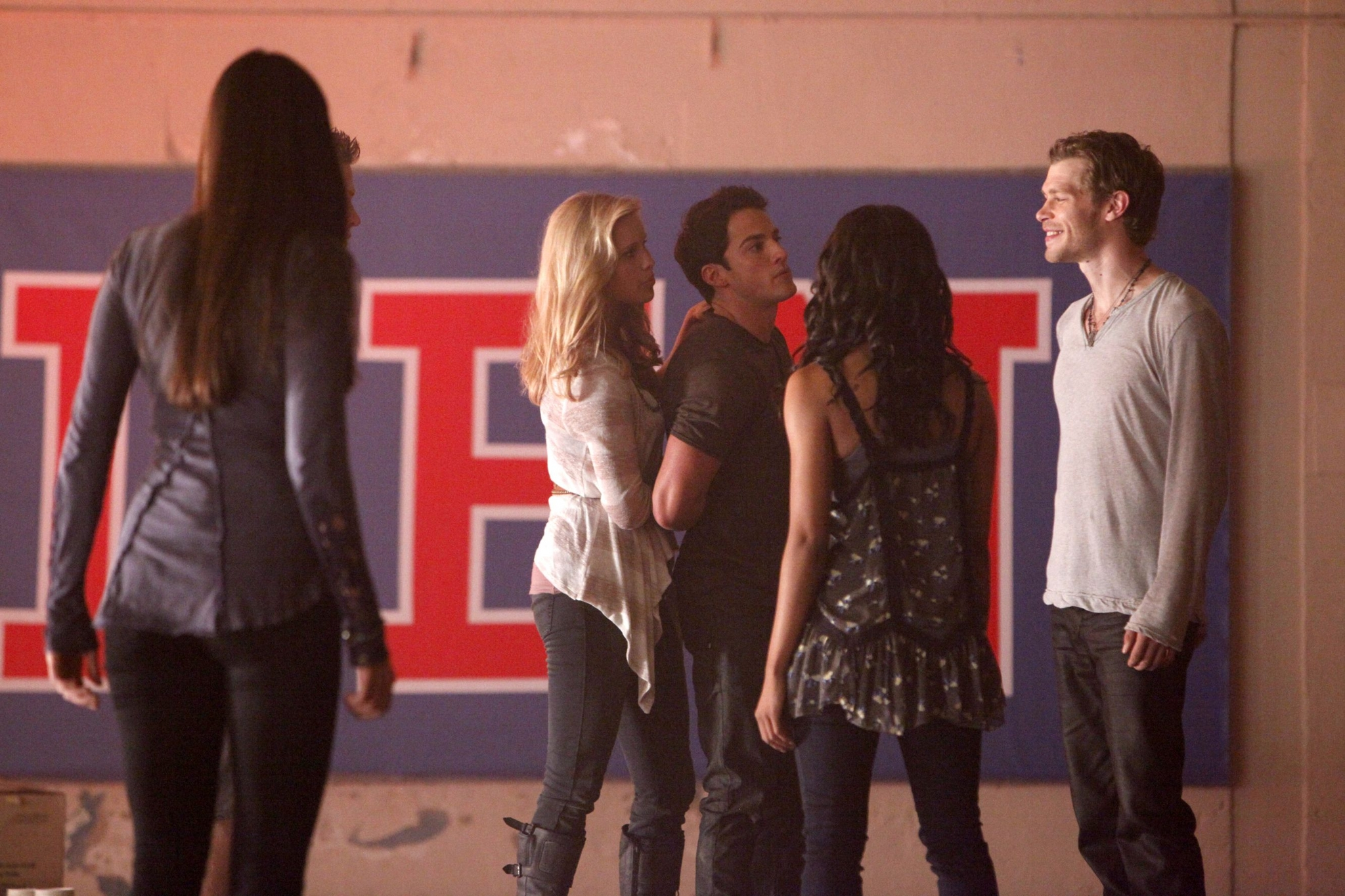 vampire-diaries-3x05-the-reckoning-claire-holt-27335672-2048-1365.jpg