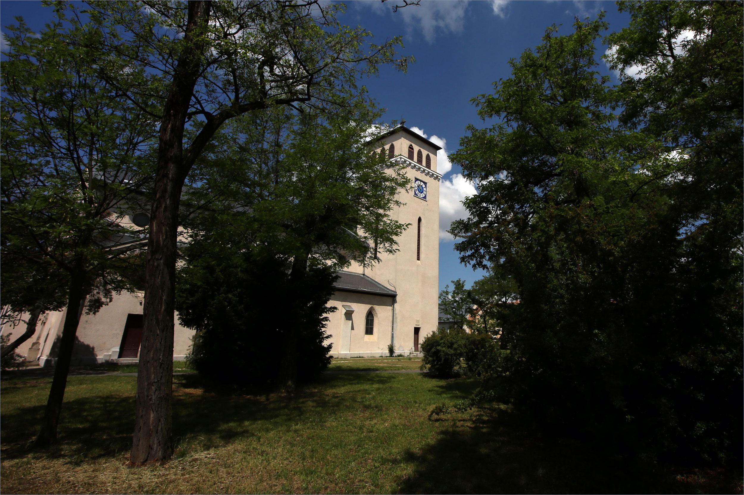 Pestújhelyi Keresztelõ Szent János Templom