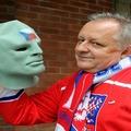 Cseh vállalkozó a Fantomas maszkos arc!