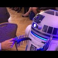 Megalakult a Mesterséges Intelligencia Koalíció - R2D2 hozta a tollakat