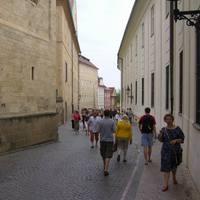 A vár egyik belső utcája