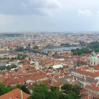 Kilátás a toronyból a Károly-híd felé