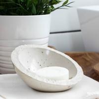 Sufnituning: szappantartók fából, betonból