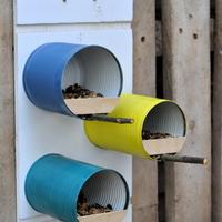 Így készíts konzervdobozból tündéri madáretetőt!