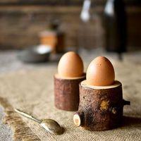 Készíts tojástartót faágból, gördeszkából és borosüvegből!