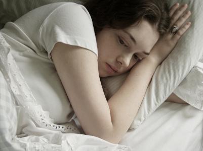 sad-girl-in-bed.jpg