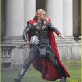 Chris Hemsworth a Thor 2 forgatásán