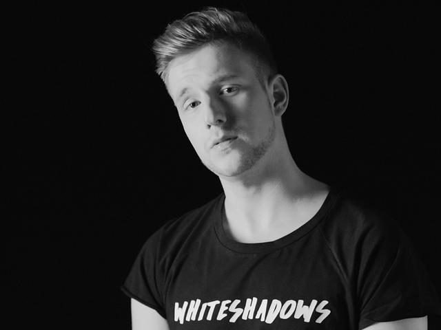Új, saját dallal és klippel tért vissza Henderson Dávid