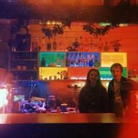 Filmzenekoncert, kisiparos vásárok és diszkóforradalom