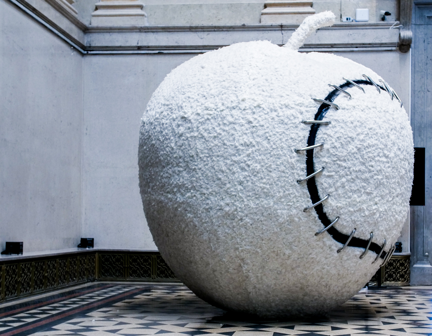 pistoletto_apple_made_whole_again_by_kata_to_th.jpg