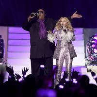 Madonna csicsás báróként tisztelgett Prince előtt