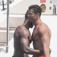 Ronaldo meleg helyzetben