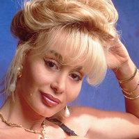 Újra virít a kilencvenes évek pornószínésznője