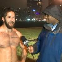 Félmeztelen szexi futó videójára pörög az internet