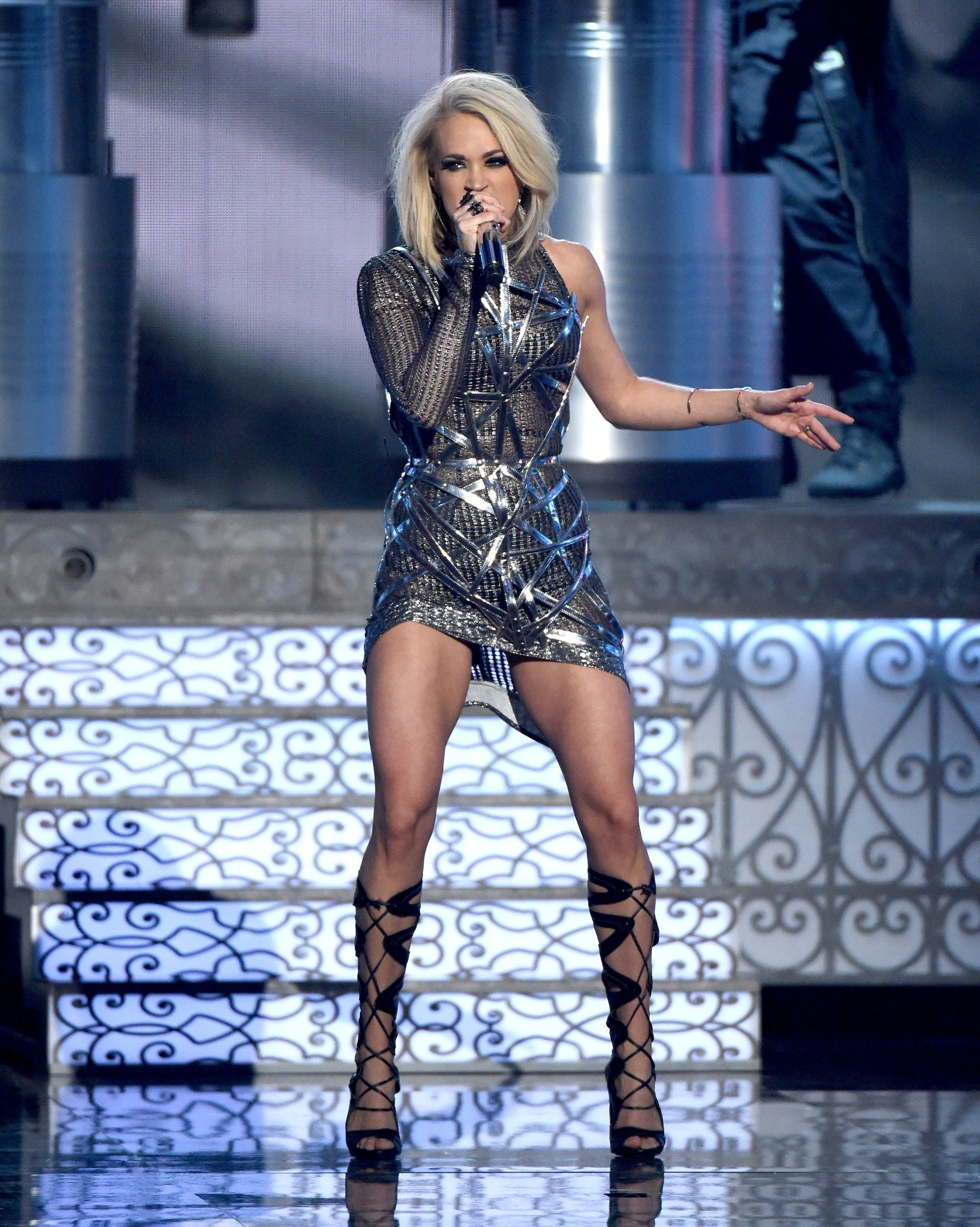 carrie-underwood-performance-dress-acm-awards-2016.jpg
