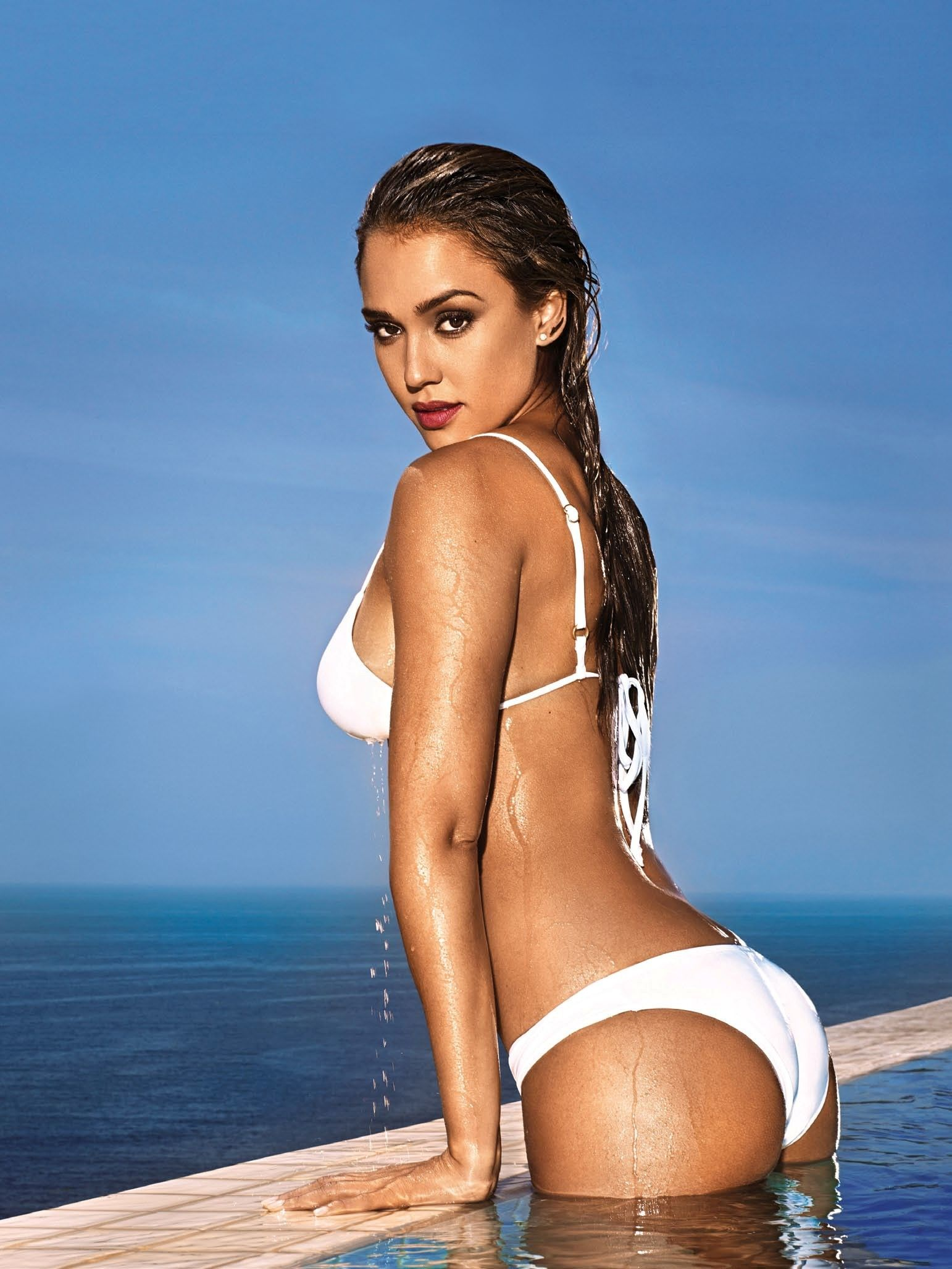 jessica-alba-entertainment-weekly-bikini-cover.jpg