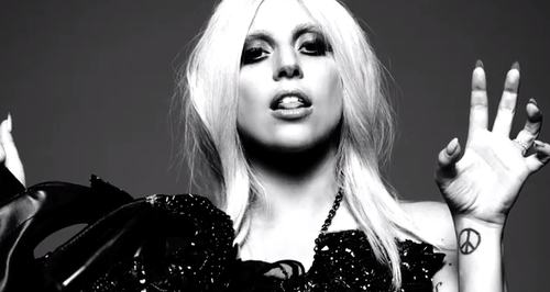 lady-gaga-american-horror-story-1424883441-large-article-0.png