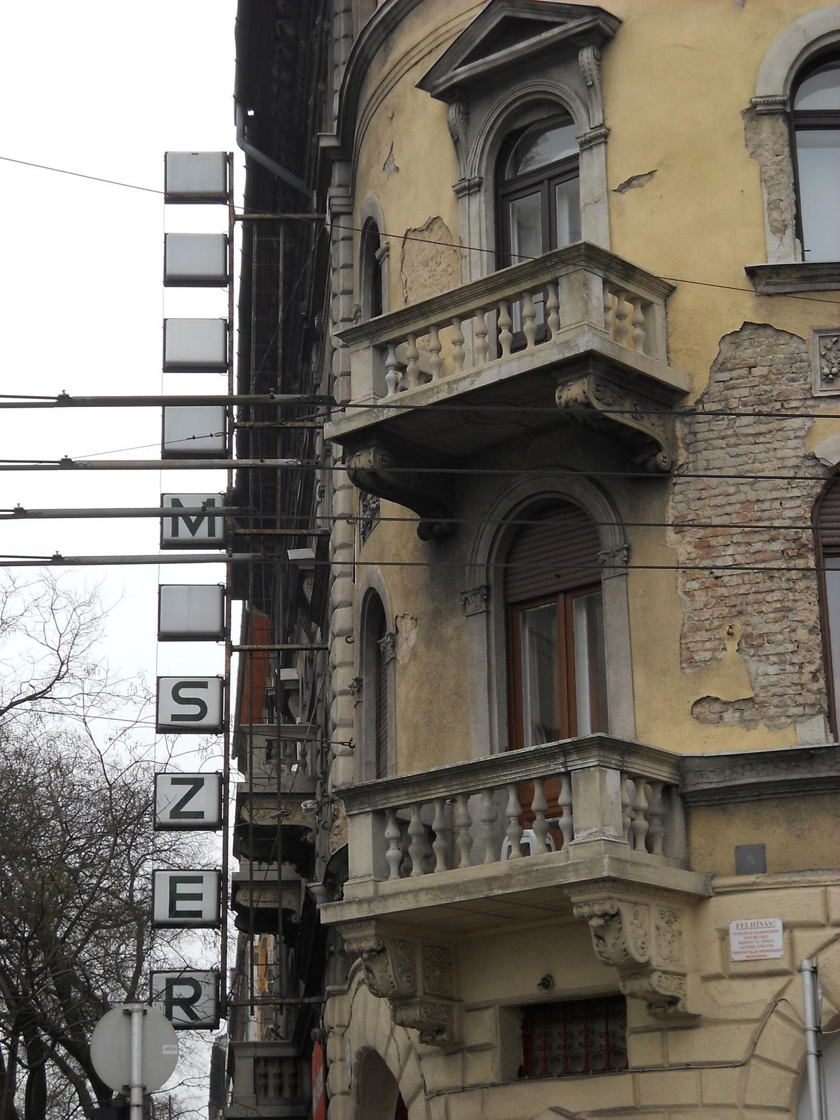 VII., István utca–Dózsa György út sarok