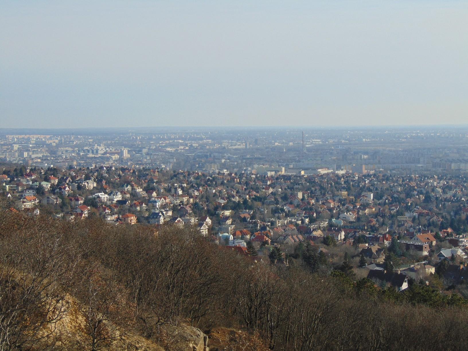 Kilátás az Ördög-oromról Budapestre