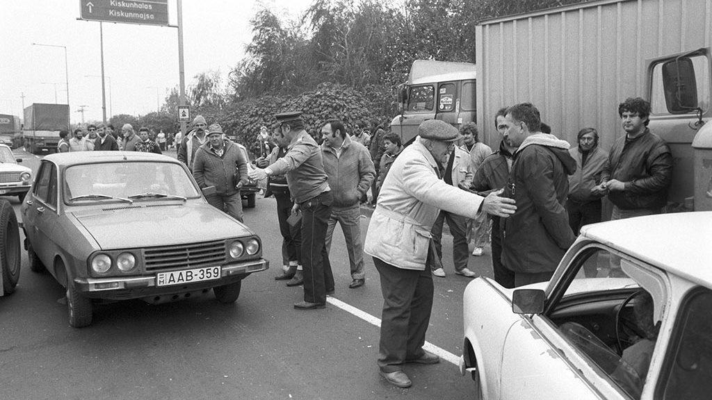 A taxisok blokád alatt tartották a Budapest felé vezető utakat is. Fotó: Németh György, MTI