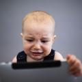 Se Facebook, se Iphone: Kőkemény korlátozások a Szilícium-völgyi szülőknél