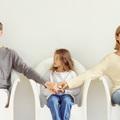 Szülővé tett gyerekek: válás és parentifikáció
