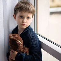 Hogyan ismerhetem fel, hogy a gyerekem szorong?