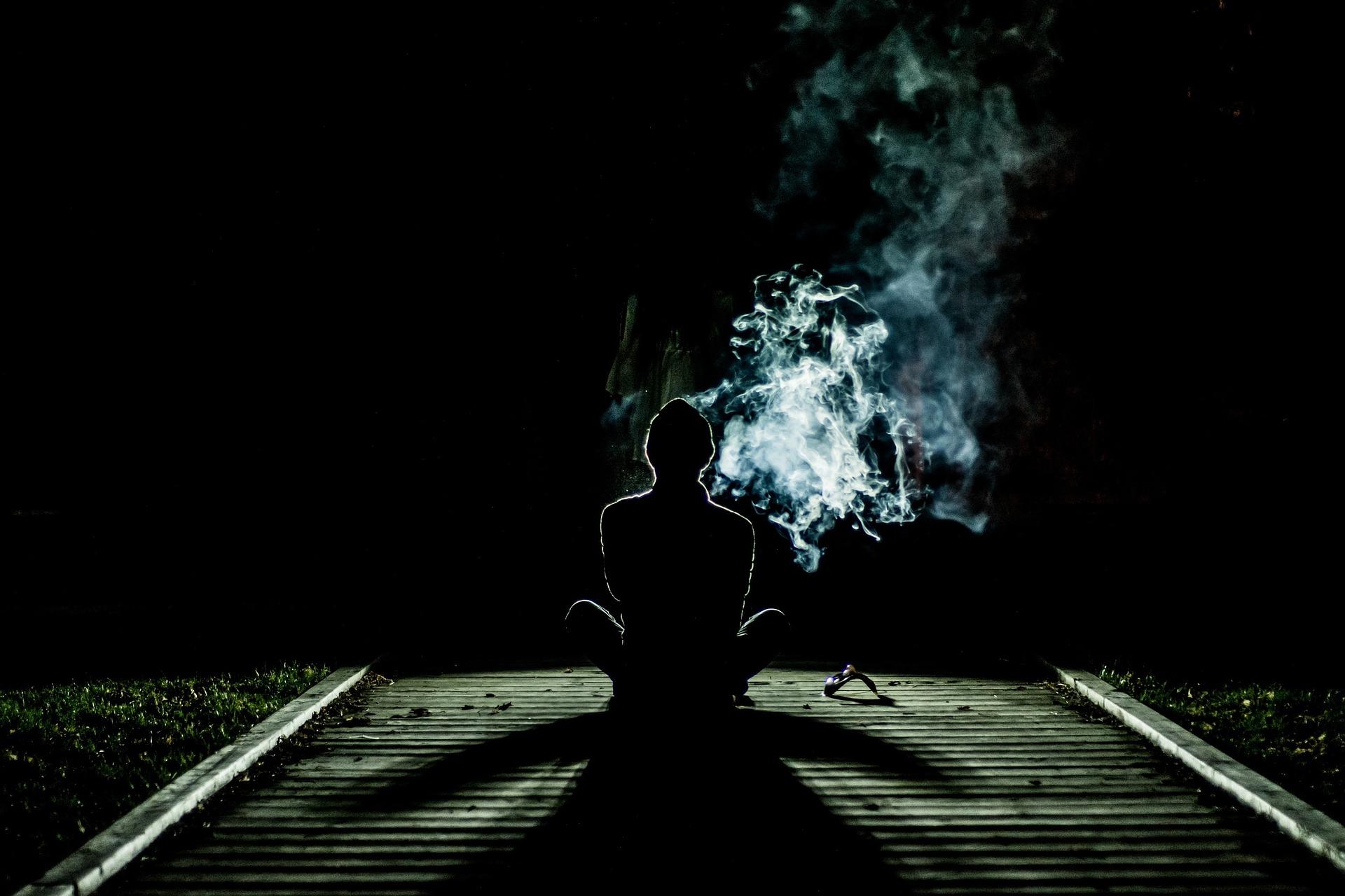 smoke-1031060_1920.jpg